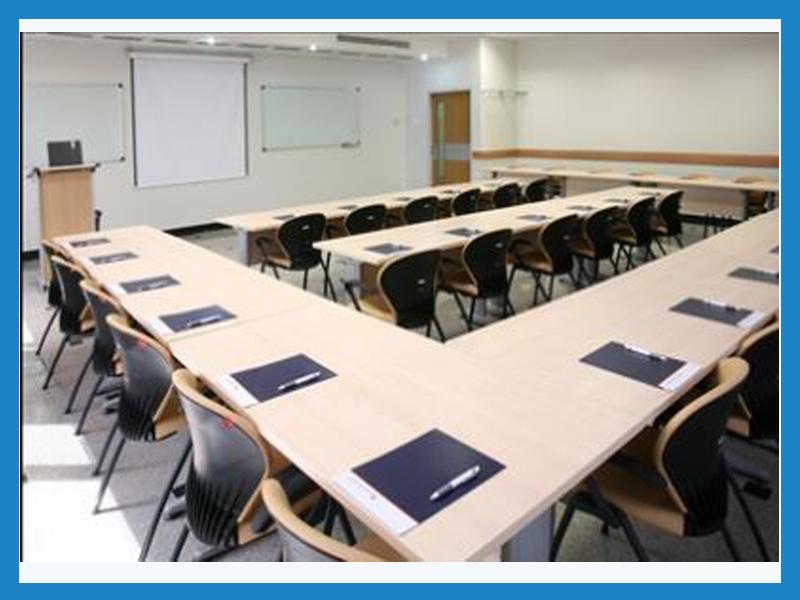 کلاس آموزشی مرکز مطالعات و بهره وری منابع انسانی سازمان مدیریت صنعتی