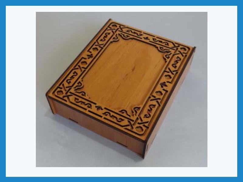 تبلیغ در شکلات طرح ماه (جعبه 12 عددی چوبی)