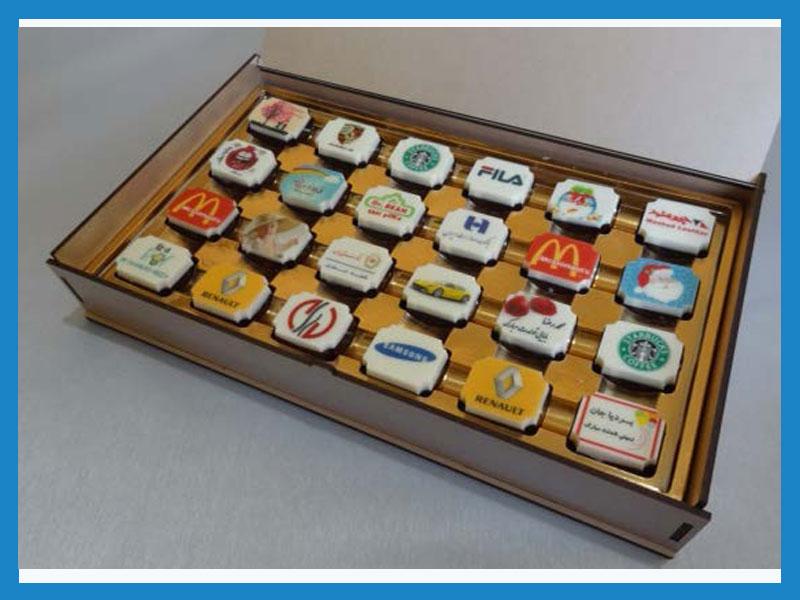 تبلیغات روی شکلات  طرح ماه (جعبه 24 عددی چوبی)